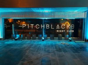 Pitch Black Night Club07